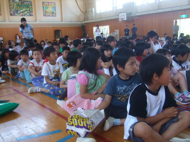 二田小学校へリサイクルショップに参加_d0166047_2174560.jpg