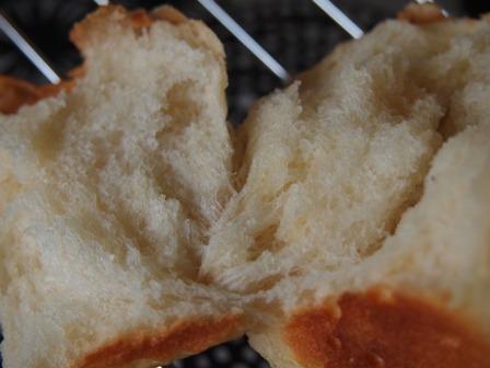 はちみつパン焼いてます_e0167593_0103281.jpg