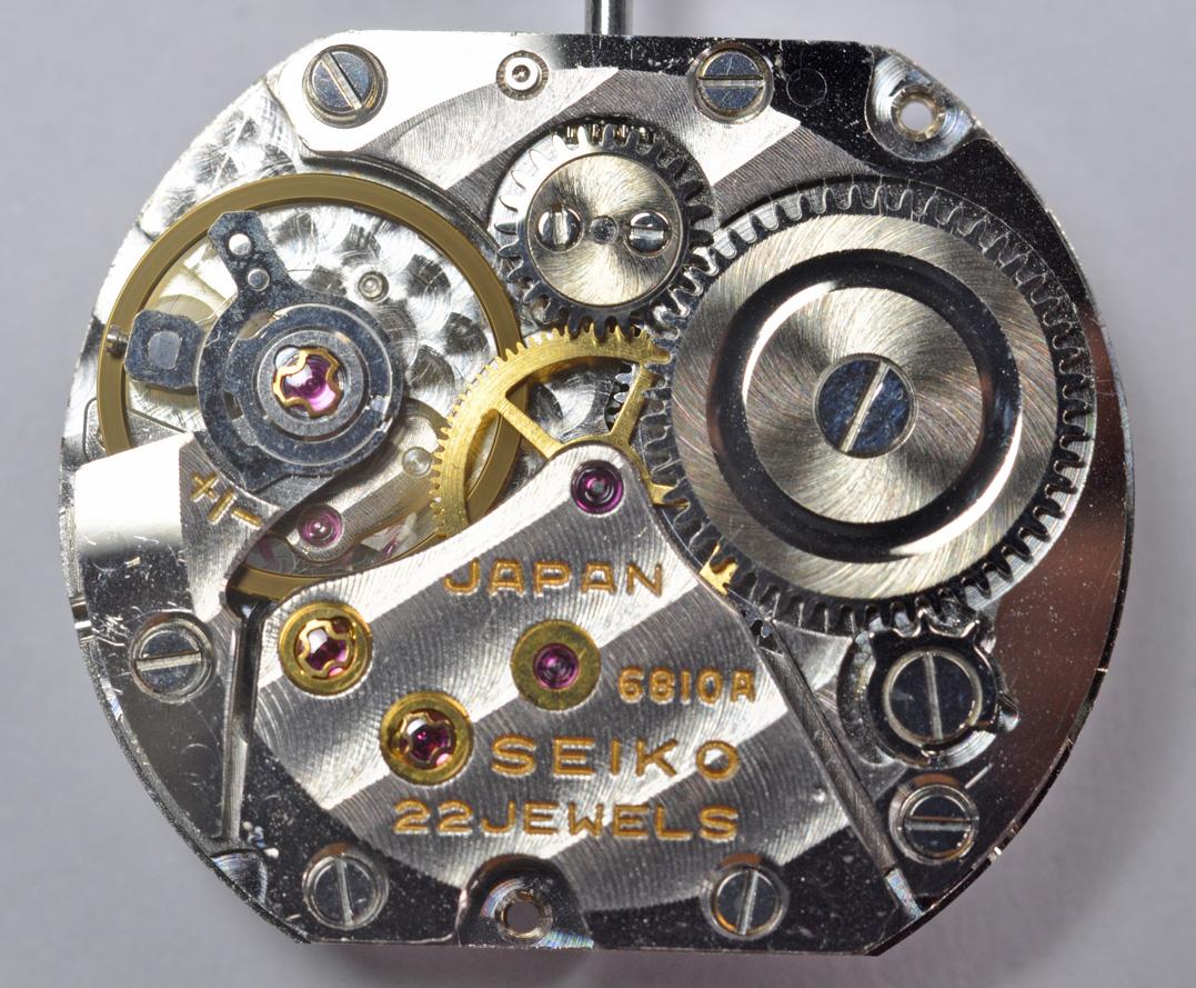 SEIKO  超薄型 手巻 Cal.6810A_c0083109_18483356.jpg