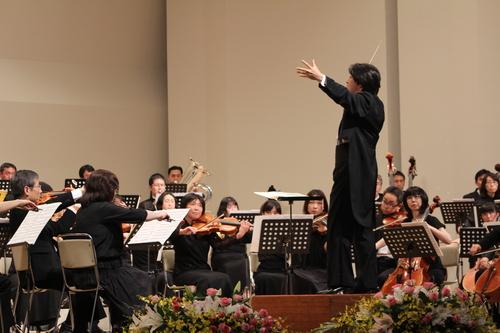 十和田フィルハーモニー管弦楽団が第20回の記念定期演奏会を開催_f0237658_16284548.jpg