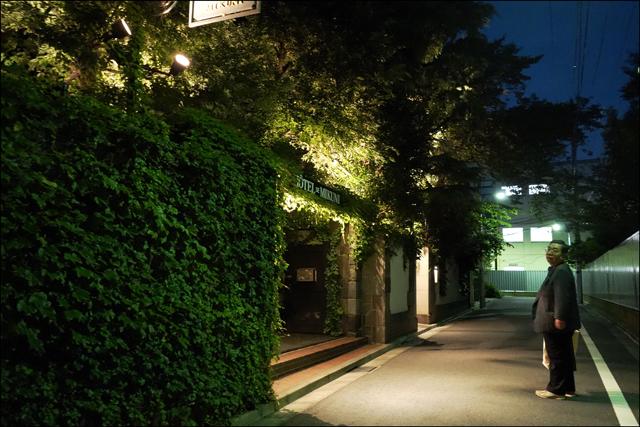 日没前後の四ッ谷界隈を歩いて、、、_a0031363_16465224.jpg