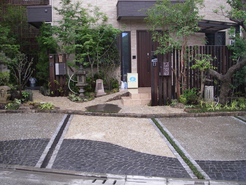 社長宅の駐車場_b0172896_21505121.jpg