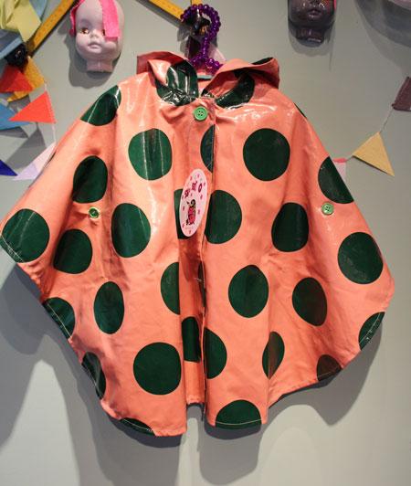 zozio poncho rain coat_a0262845_15535857.jpg