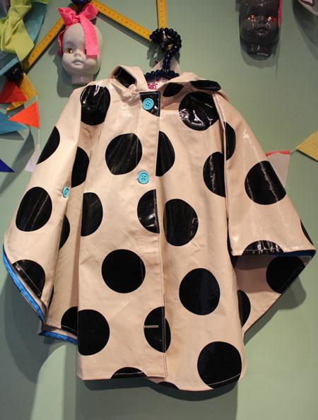 zozio poncho rain coat_a0262845_15542745.jpg