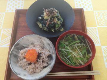 朝ごはん 黒豆ともちきび入りご飯_e0134337_18564993.jpg