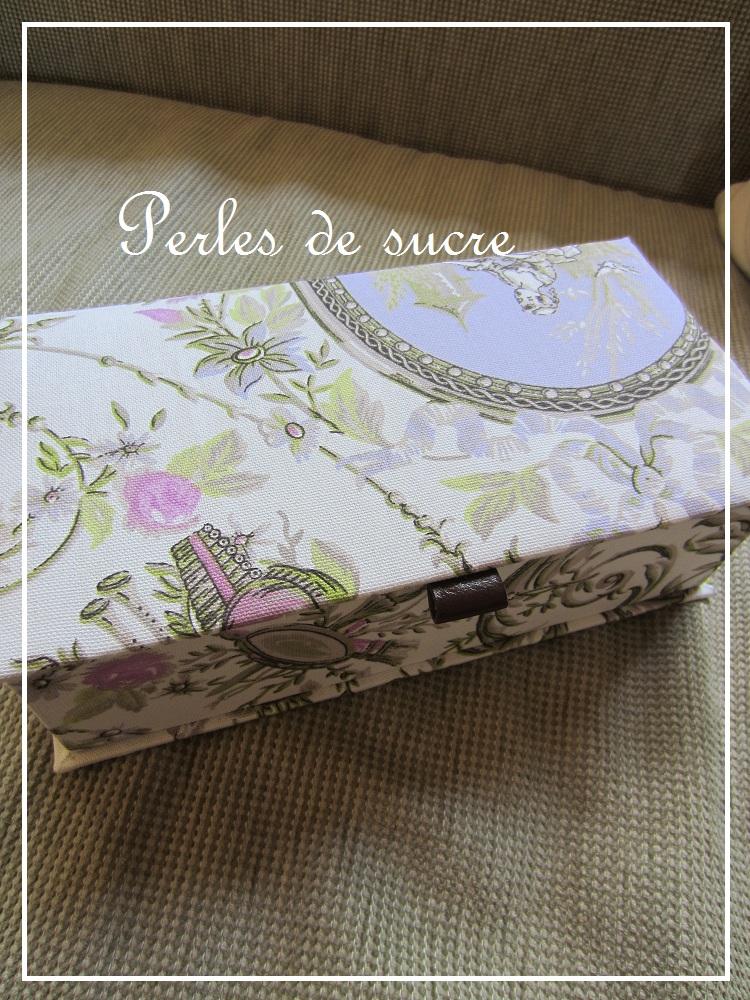ブック型の箱 トレイ_f0199750_22531741.jpg