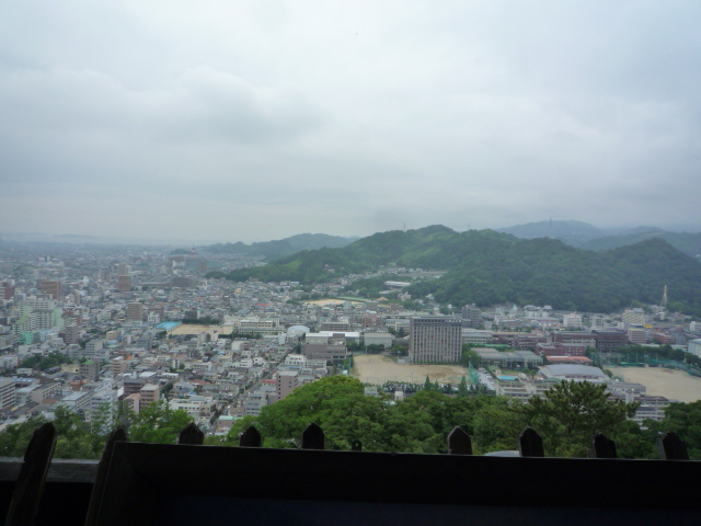 お城の帯に導かれて?松山城へ。_f0181251_16145528.jpg