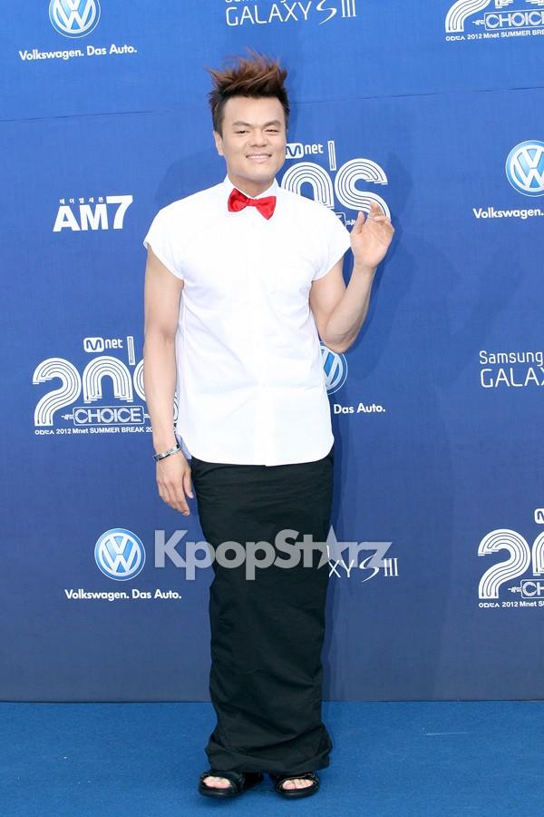 R2Bが韓国SBS映画の番組で紹介されました_c0047605_0362164.jpg