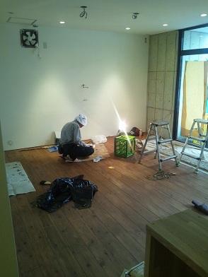 新店舗、オープン準備中です。_b0016474_1121264.jpg