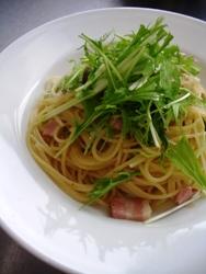 6/30本日のパスタ:ベーコンと水菜のぺペロンチーノ_a0116684_11274598.jpg
