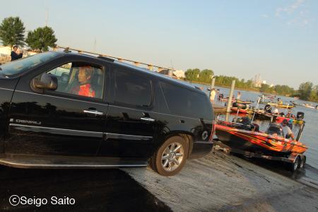Bassmaster Elite Series #7 Lake Michigan, WI 2日目_a0097491_7451748.jpg