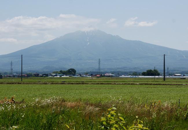 梅雨の晴れ間の岩木山、小坂七滝など_a0136293_15394037.jpg