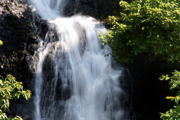 梅雨の晴れ間の岩木山、小坂七滝など_a0136293_15423096.jpg