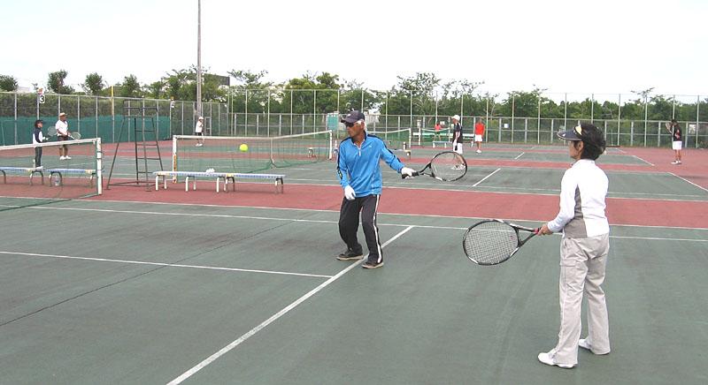 梅雨の晴れ間のテニス_b0114798_1883741.jpg