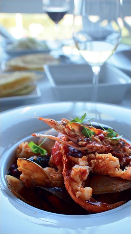 海辺のレストランにて・・_e0155629_835968.jpg