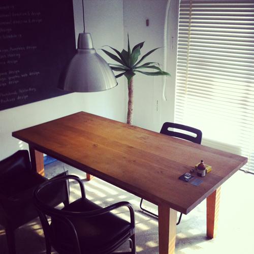 2台のテーブル_e0243332_2392713.jpg