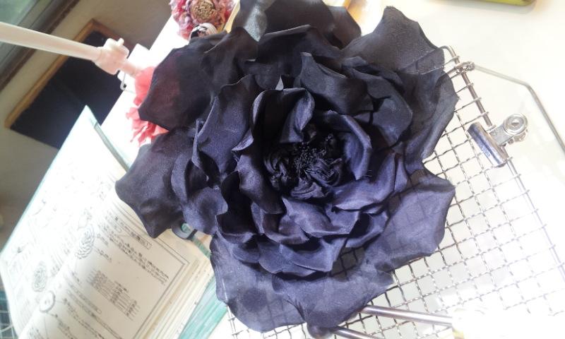 un noir a rose_a0200214_1252255.jpg