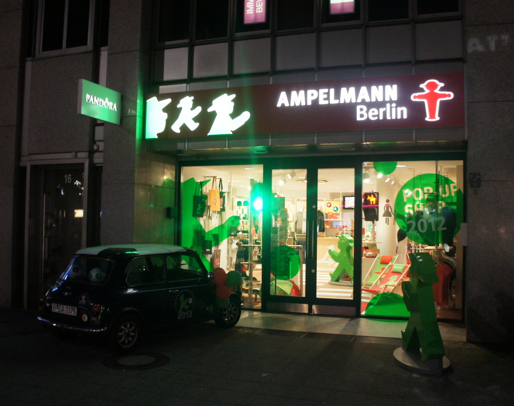 AMPELMANNクーダムショップ初日の夜。_c0180686_21473440.jpg