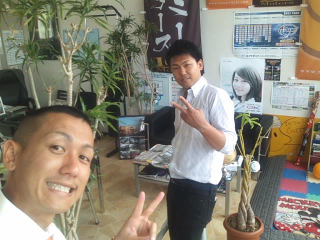 ランクルトミー札幌店(^o^)掃除中_b0127002_9462157.jpg