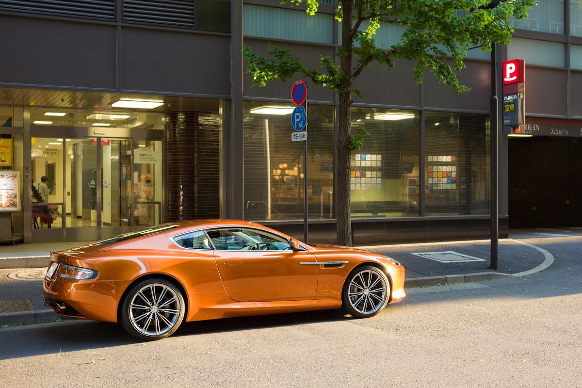 Aston Martin Virage_b0213320_6143325.jpg