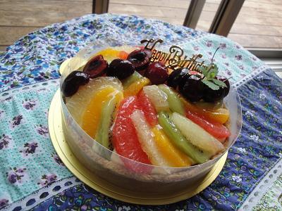 今月のカフェのケーキのご紹介♪_e0170128_2173340.jpg
