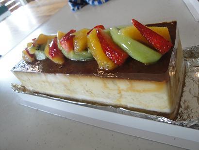 今月のカフェのケーキのご紹介♪_e0170128_2175131.jpg