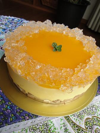 今月のカフェのケーキのご紹介♪_e0170128_2181525.jpg
