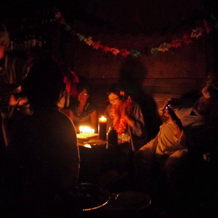 モモちゃんの満80歳の誕生日を侘助の常連が祝福(6・30)_c0014967_10284242.jpg