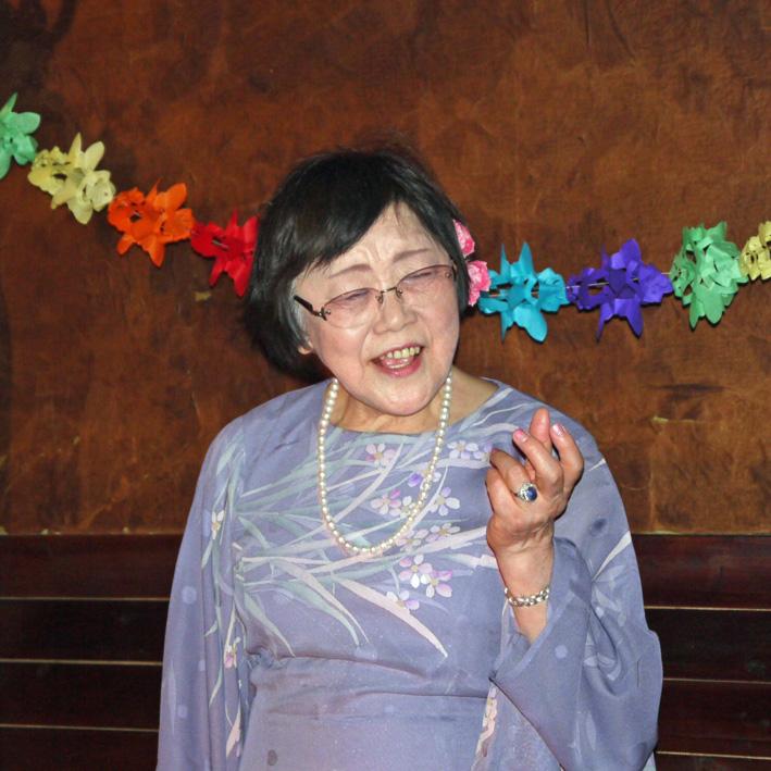 モモちゃんの満80歳の誕生日を侘助の常連が祝福(6・30)_c0014967_1039364.jpg