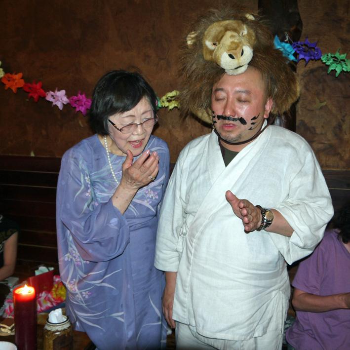 モモちゃんの満80歳の誕生日を侘助の常連が祝福(6・30)_c0014967_10394043.jpg