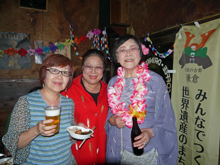 モモちゃんの満80歳の誕生日を侘助の常連が祝福(6・30)_c0014967_10401750.jpg