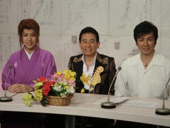 今千葉テレビから戻ってきました。_e0119092_15294510.jpg