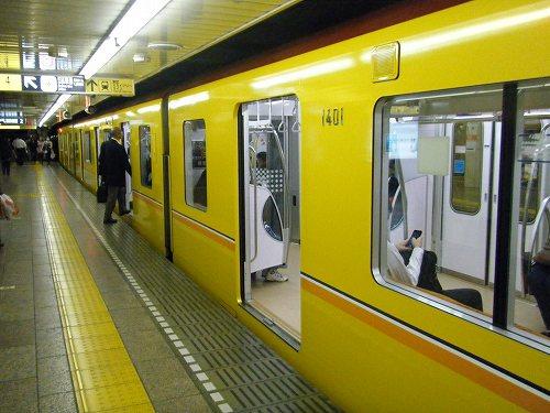 銀座線新型車両1000系_c0184265_1363194.jpg