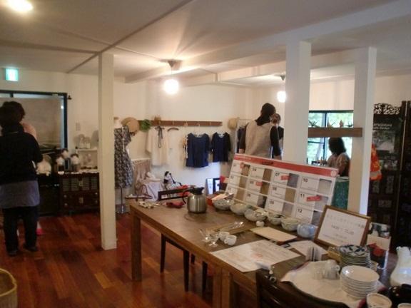 軽井沢~高原とうふと身体に優しい天然素材の手作り市に行ってきました。_f0183981_1893216.jpg
