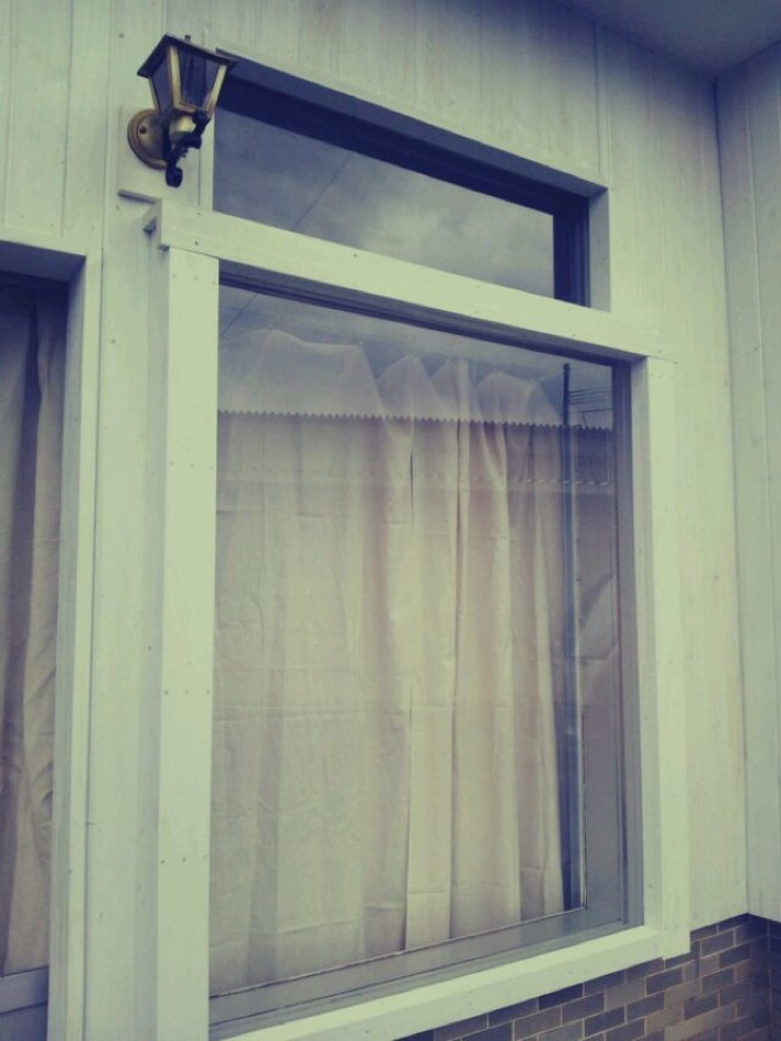 カーテン取り付けと壁のお掃除追加_c0246783_21303032.jpg