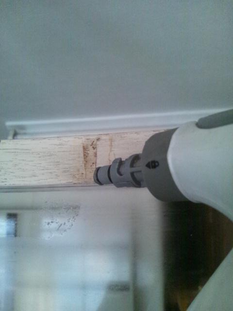 カーテン取り付けと壁のお掃除追加_c0246783_21362466.jpg