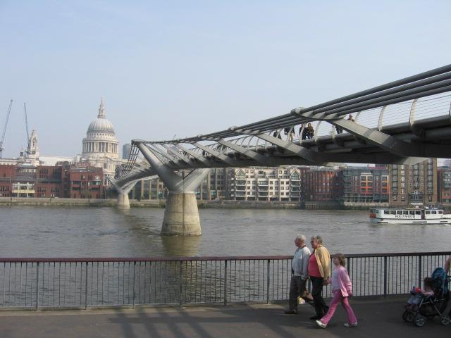 ロンドン・ドックランド再開発地区_d0251191_1513534.jpg