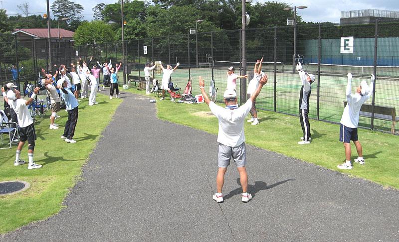 テニスの前のラジオ体操_b0114798_21513828.jpg