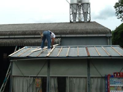 吉野工場 休憩室の屋根改修工事_c0124828_241527.jpg