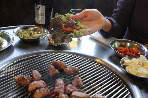 麻浦の豚焼き肉横丁で、ディープに更けゆく夜_a0223786_1515982.jpg