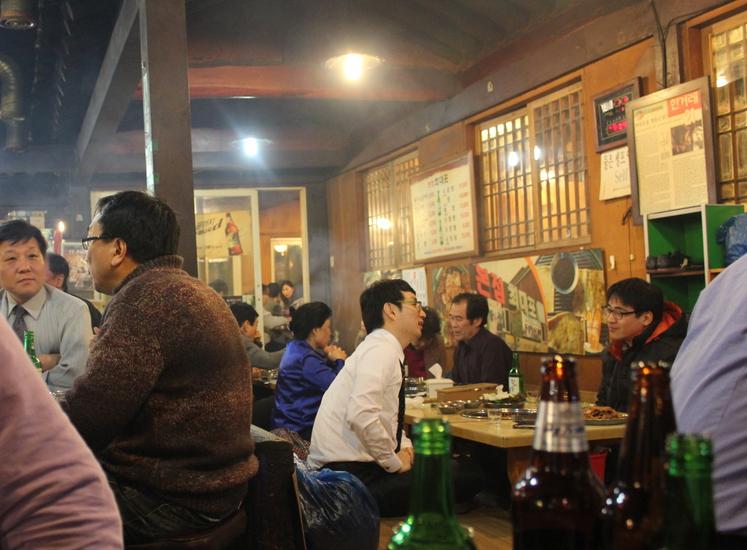 麻浦の豚焼き肉横丁で、ディープに更けゆく夜_a0223786_15412987.jpg