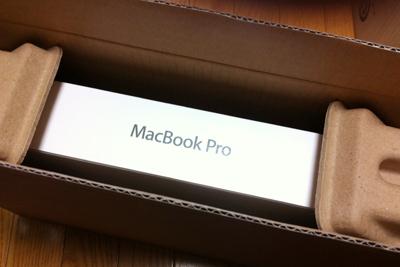 発売日にBTOで発注したMacBookPro Retinaがやっと届いた。_b0194208_10274116.jpg
