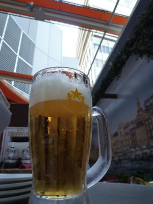 今年初めて外ビール_c0004024_8293450.jpg
