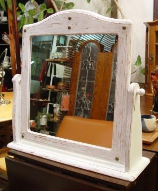 白ペンキの鏡 仕上がりました!!_a0096367_20124526.jpg
