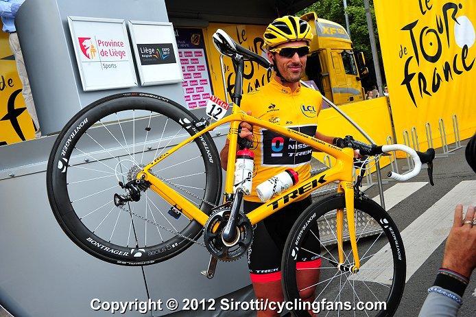 本日出来立てのホイール&スペシャルバイク@Tour de France_a0262093_11484261.jpg