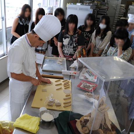 2012年7月7日,8日にNSCカレッジでは体験入学が開催 その2_b0110019_16294887.jpg