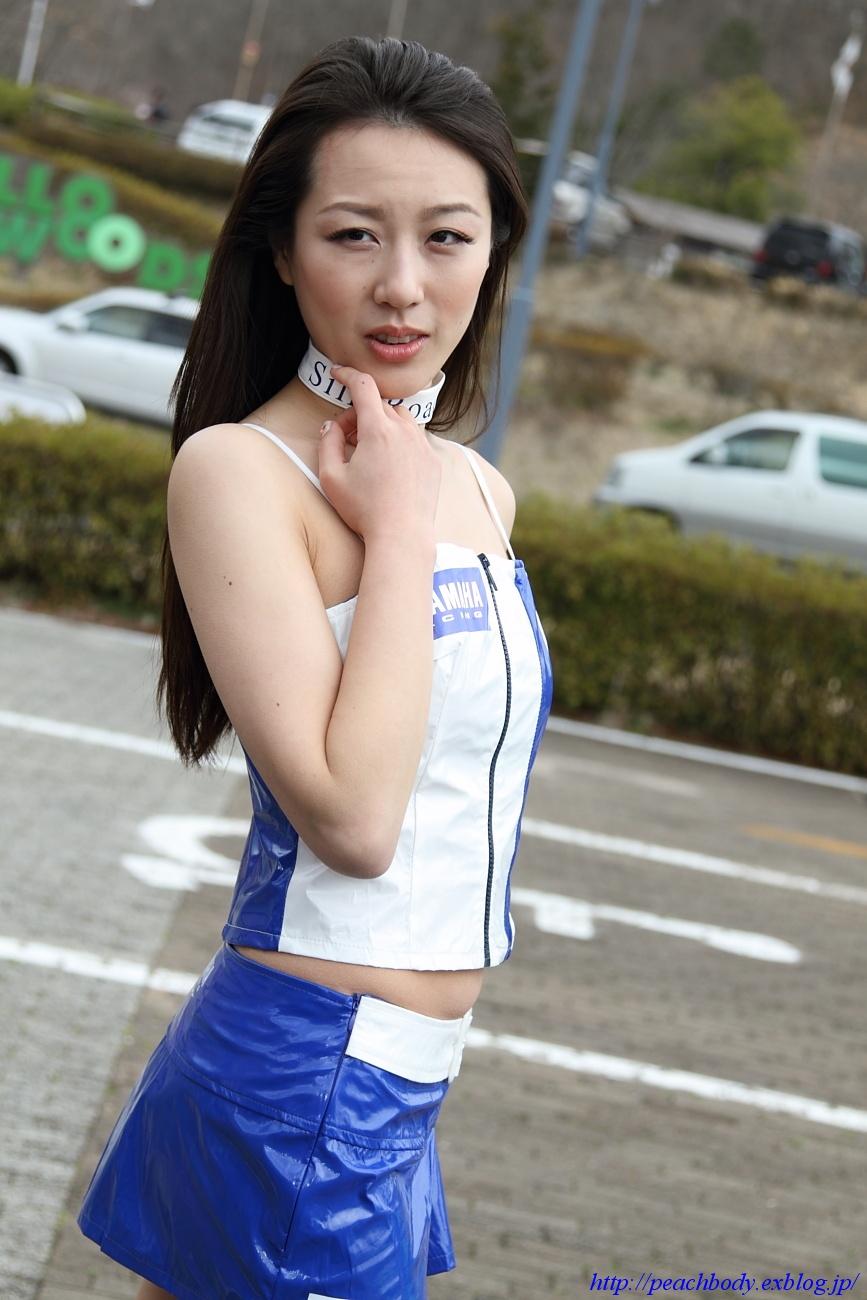 小林未来 さん(タイYAMAHAチーム レースクイーン) その4_c0215885_11355873.jpg