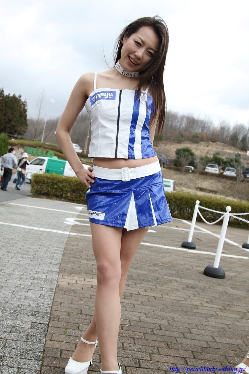小林未来 さん(タイYAMAHAチーム レースクイーン) その4_c0215885_11362544.jpg
