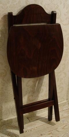 ルーマニア製・木製折りたたみイス 入荷!!_a0096367_20115232.jpg