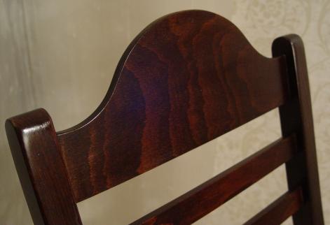 ルーマニア製・木製折りたたみイス 入荷!!_a0096367_2012392.jpg